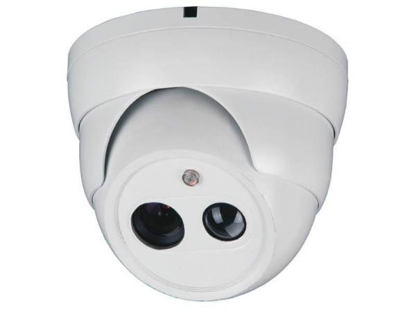 安装半球监控摄像机