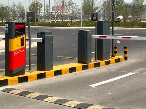 智能交通监控系统功能升级,实现多场景应用