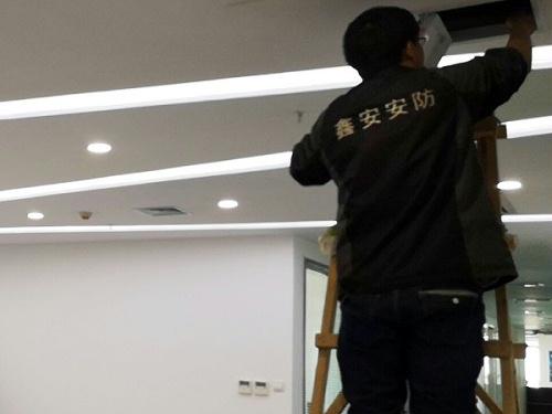 办公室安装监控摄像头是否侵犯员工个人隐私?